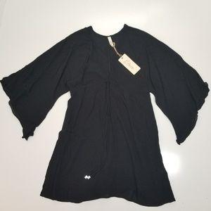 Elan black v neck tunic size M